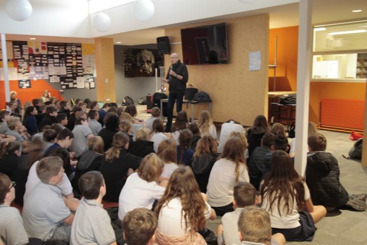 Morris Gleitzman talking to students